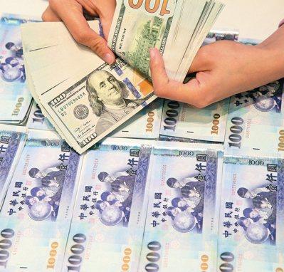 外資持續大舉湧入台灣,今年可望連續六個月呈現淨匯入,累計淨匯入金額二一三一點一一...