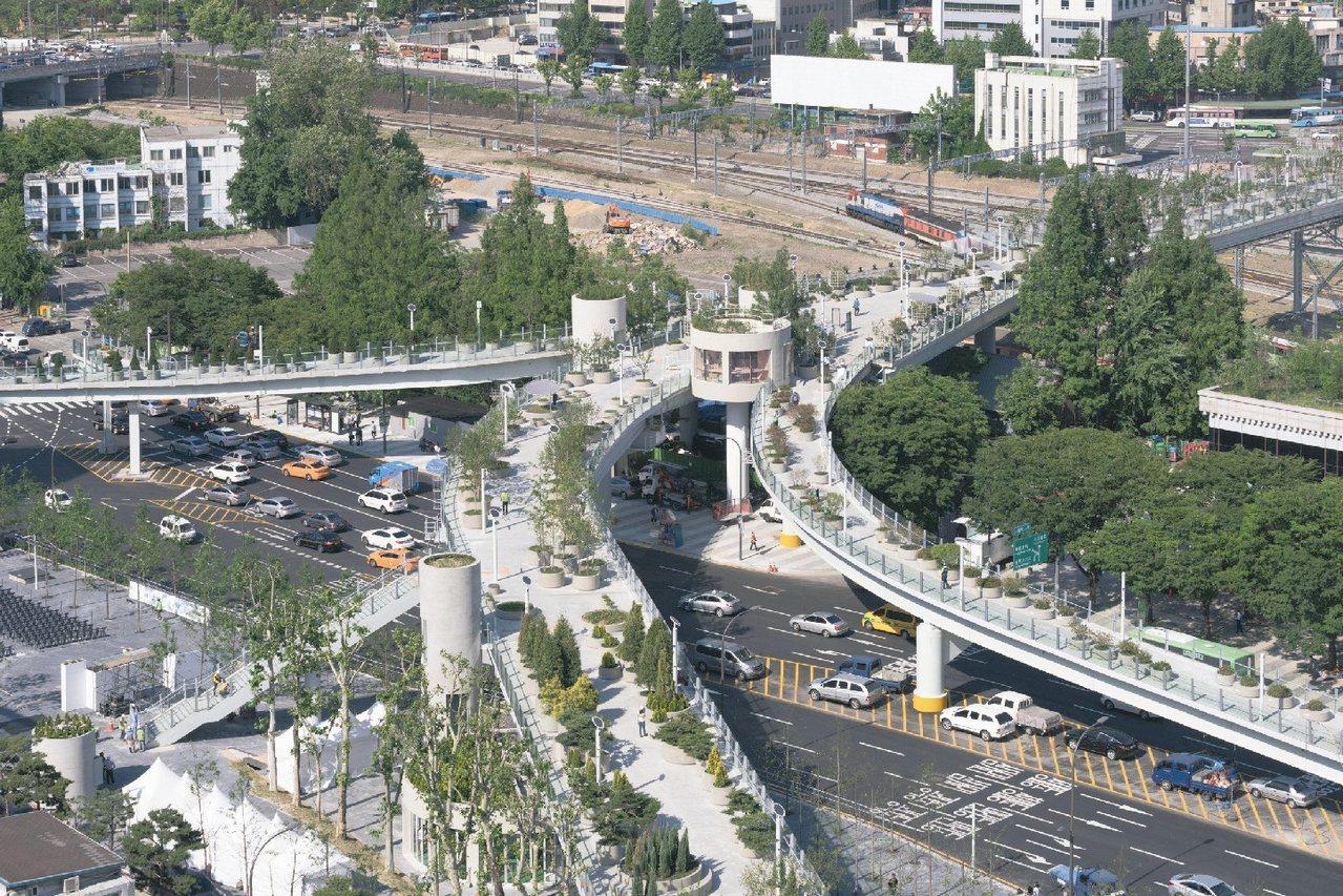 首爾路原本是廢棄的高架橋。 圖/摘自seoullo7017官網
