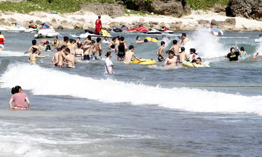 暑假期間為學生溺水事件高峰期,近6年來,國內發生溺斃意外頻率最高的水域為新北市烏...
