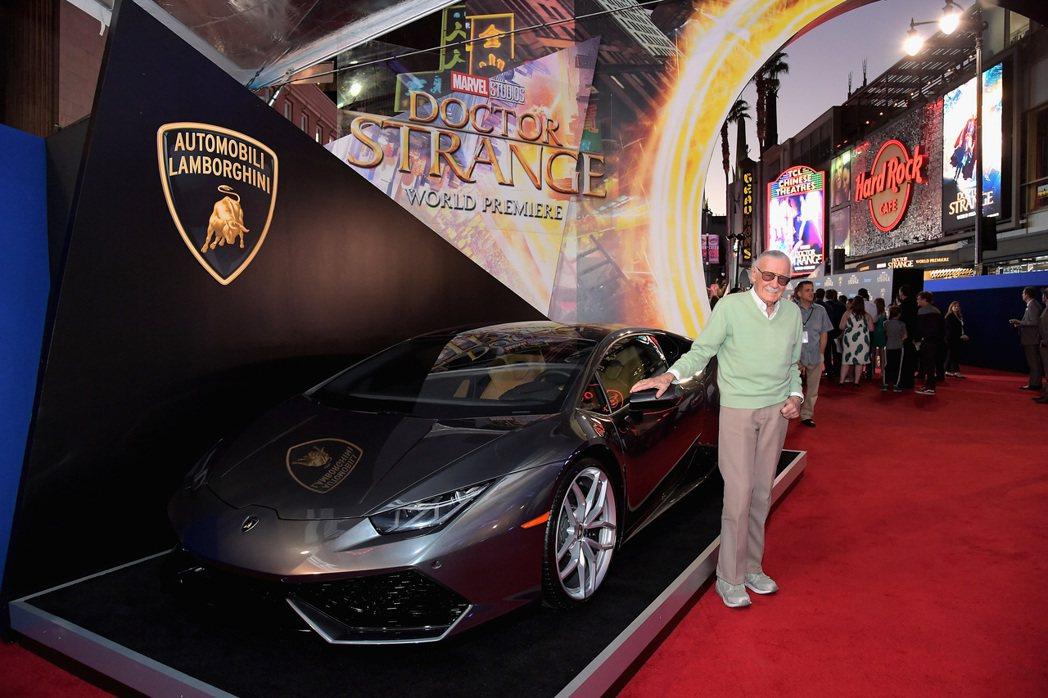 「漫威之父」史丹李(Stan Lee)與Lamborghini的Huracan ...