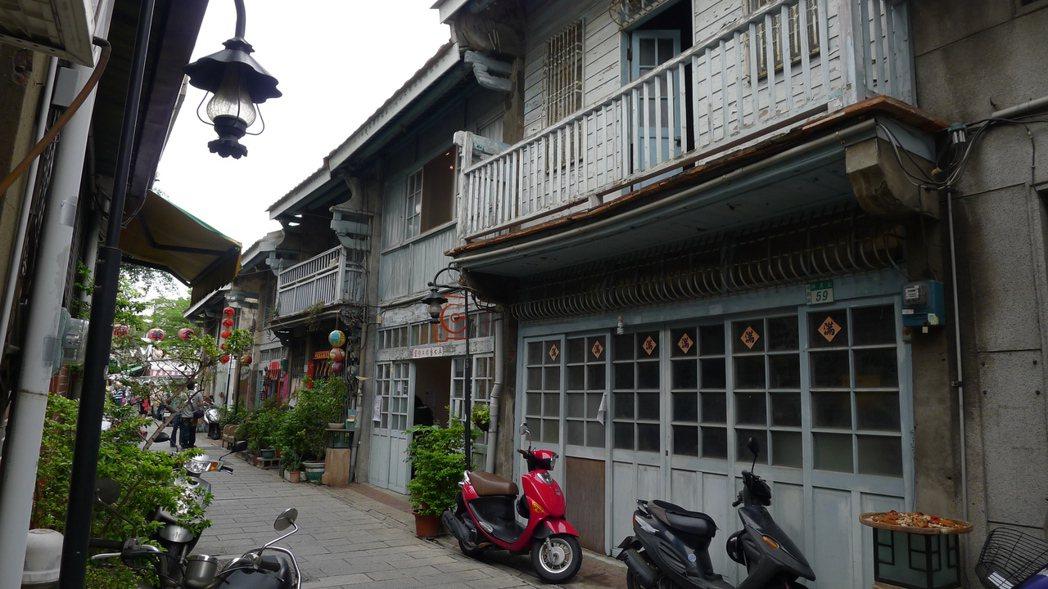 台南老街之氛圍近年已逐步改善,在觀光、商業化與保存中取得平衡。 圖/作者自攝