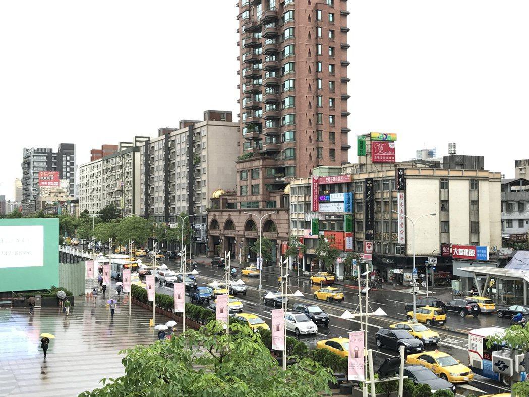 中信房屋表示,北市房價預計第三季前完成打底。記者游智文/攝影