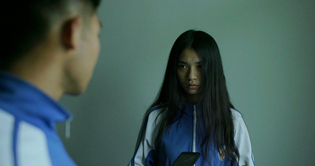 大陸獨立電影「笨鳥」描述湖南鄉村高中女生逐步喪失純真的過程。圖/擷自台北電影節官...
