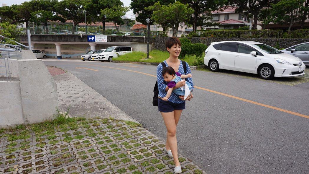 T台主播夏嘉璐帶小孩到沖繩自助旅遊。圖/夏嘉璐提供