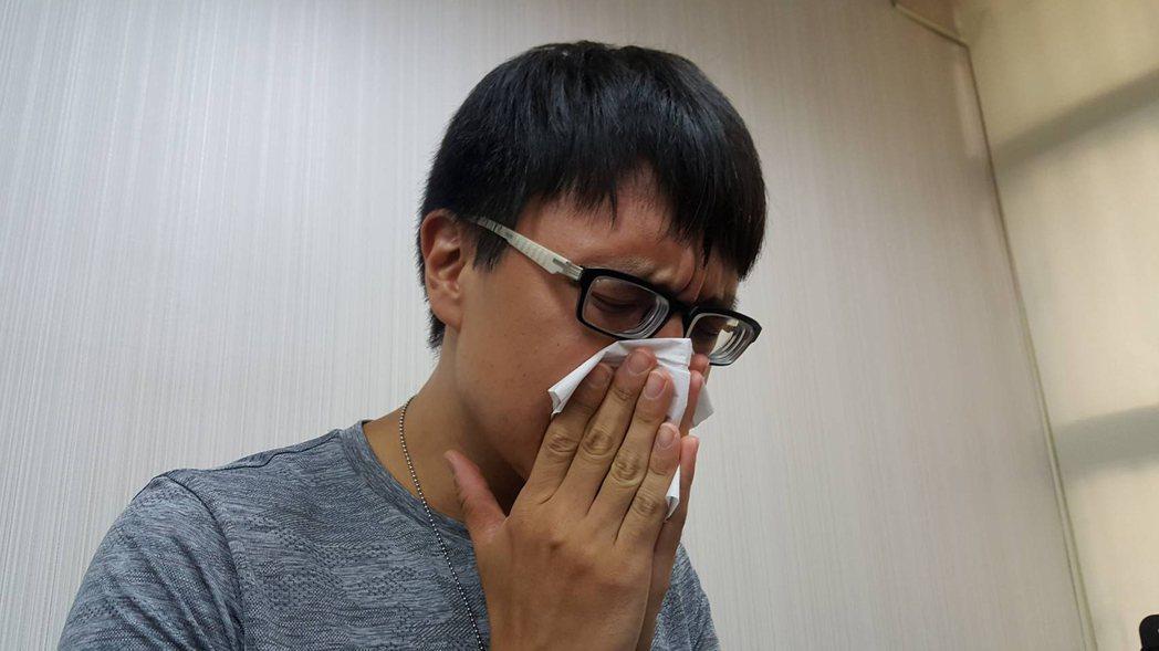 有研究顯示,相對濕度高於70%,有利流感病毒傳播。若打噴嚏沒遮掩,病毒可活48小...