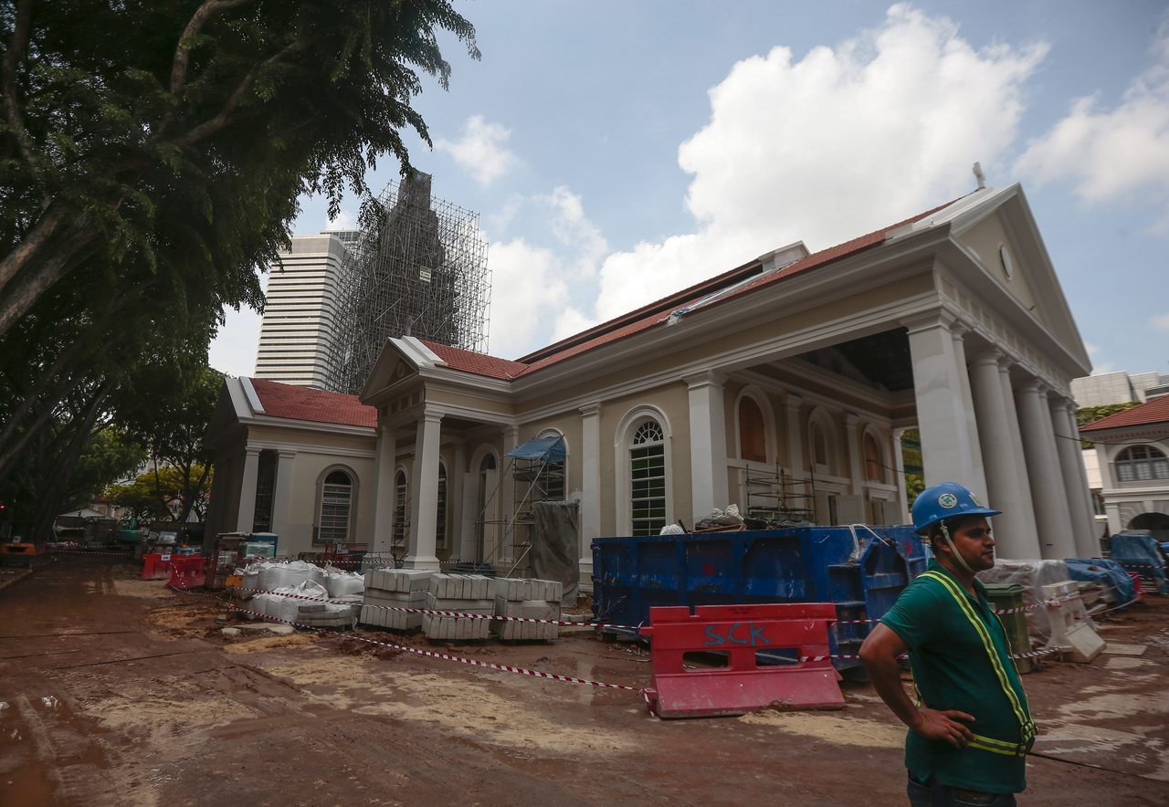 """目前新加坡有71项古迹、超过7千项的""""保育建筑"""",这些建筑物事实上仍无可避免地在..."""