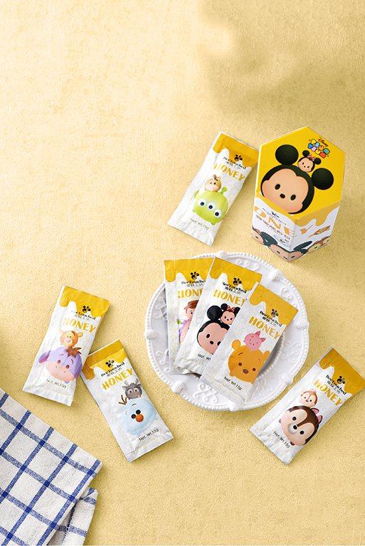 蜂蜜工坊推出迪士尼tsum tsum系列蜂蜜隨身包,即日起至7月31日止,2盒只...