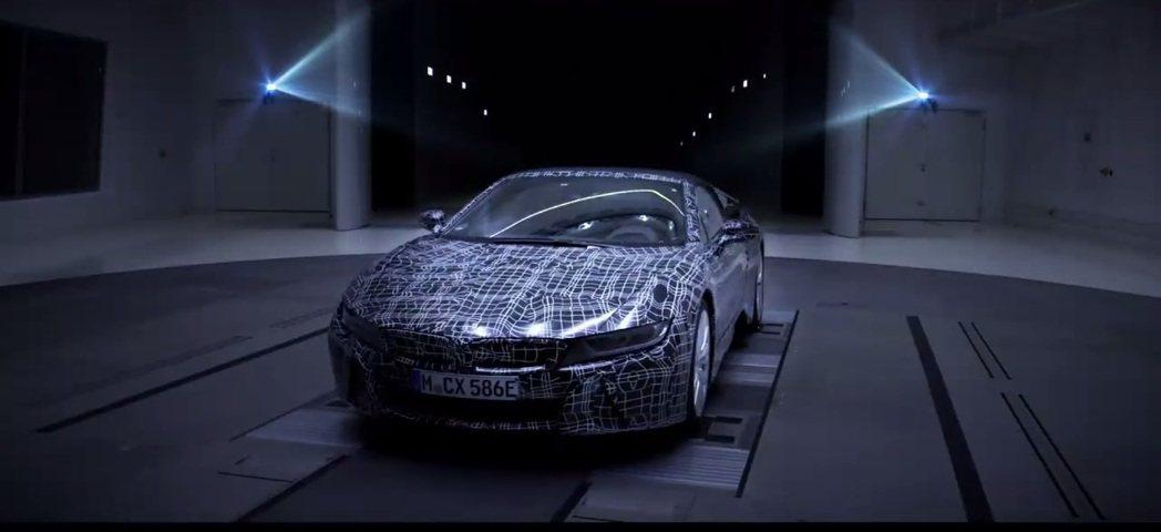 BMW將於今年九月的法蘭克福車展,正式發表i8 Roadster。 摘自BMW ...