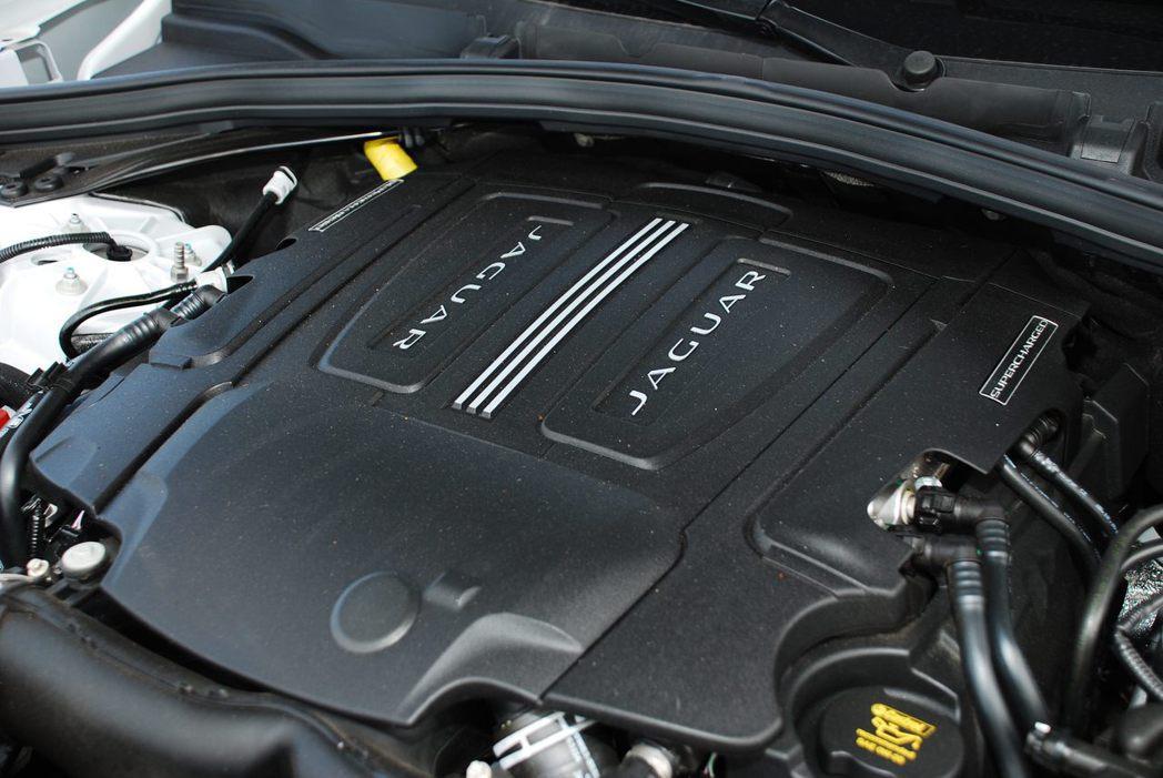 3.0升V6雙渦流機械增壓汽油引擎。記者林昱丞/攝影