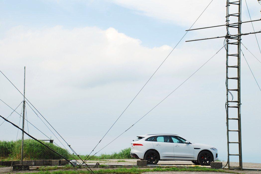 Jaguar F-Pace S AWD。記者林昱丞/攝影