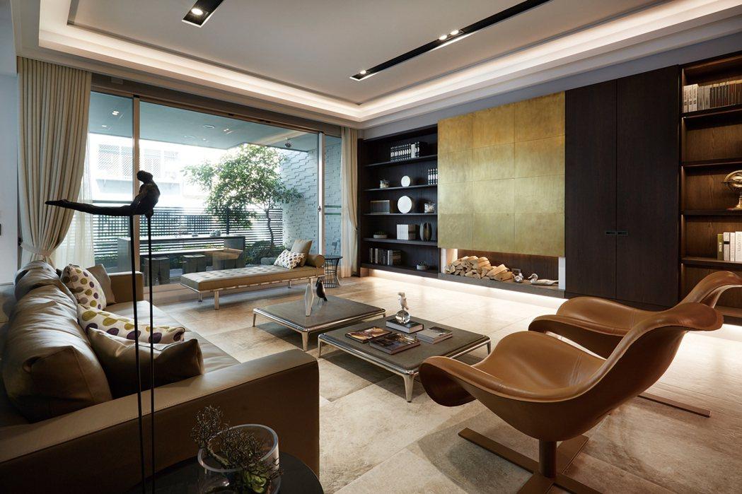 【府城觀止】創造的是一種與自然為伴的奢華,當您進入客廳就能感受到一種自由馳騁的生...