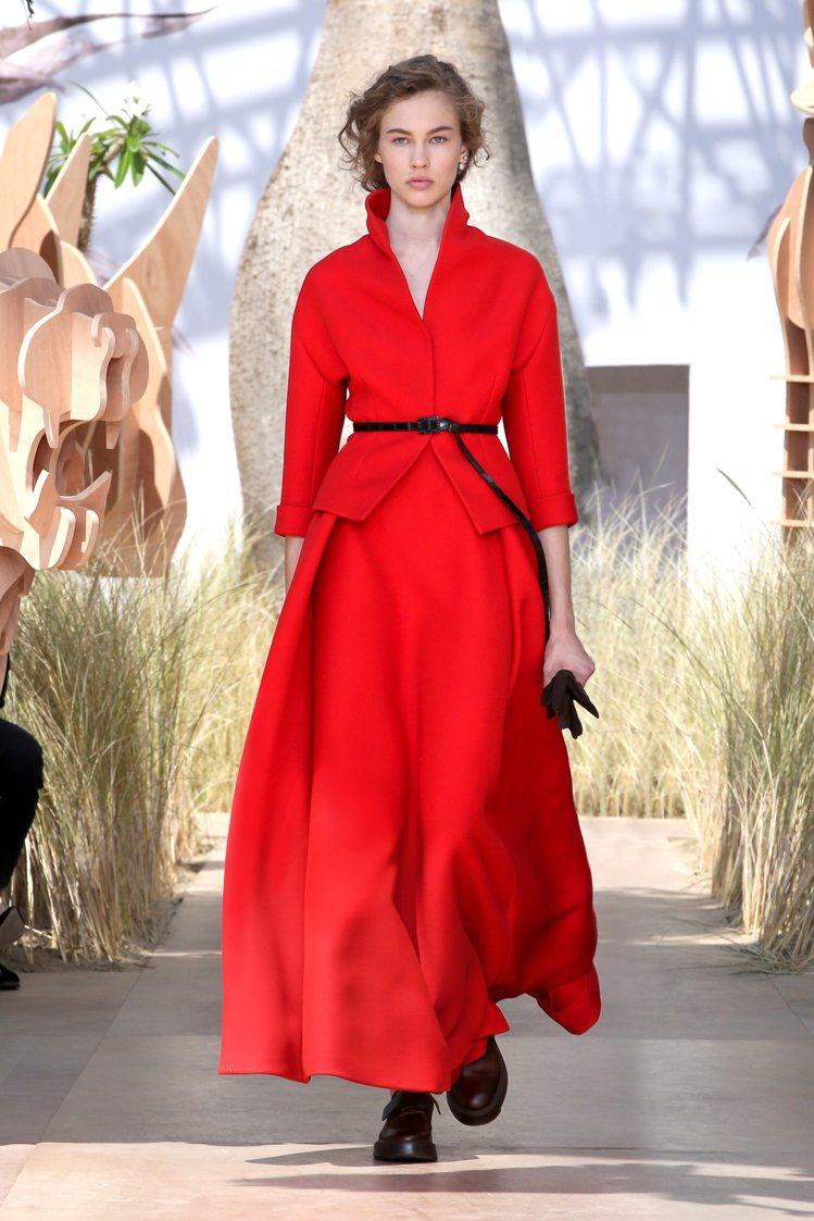 奪目艷麗的紅色,是Dior的標誌性色彩。圖/Dior提供