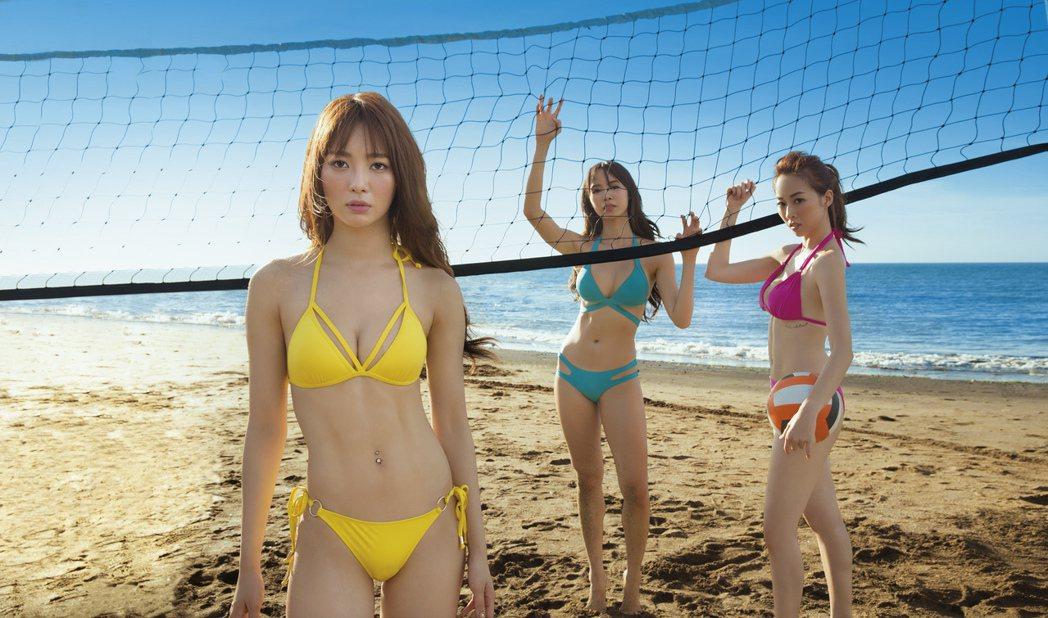 夏語心、康茵茵、舒子晨海邊穿比基尼拍攝辣照。圖/GQ提供