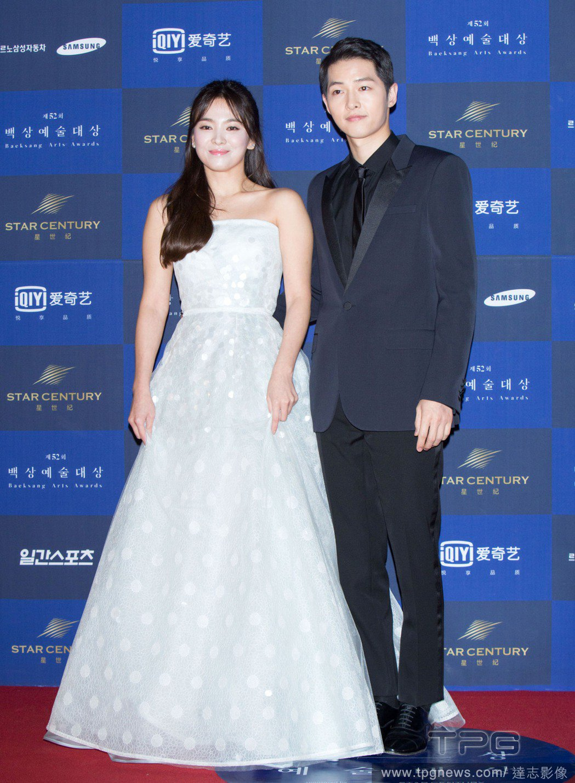 宋仲基與宋慧喬因合作「太陽的後裔」生情,將於今年10月成婚。 圖/達志影像提供