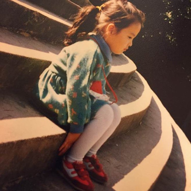 宋慧喬小時候的可愛臉蛋已可看出女神輪廓。圖/摘自IG:kyo1122