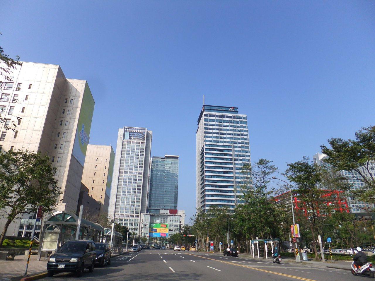 近年信義計畫區A辦新供給,磁吸頂級企業進駐,帶動信義計畫區A辦平均租金站上每坪3...