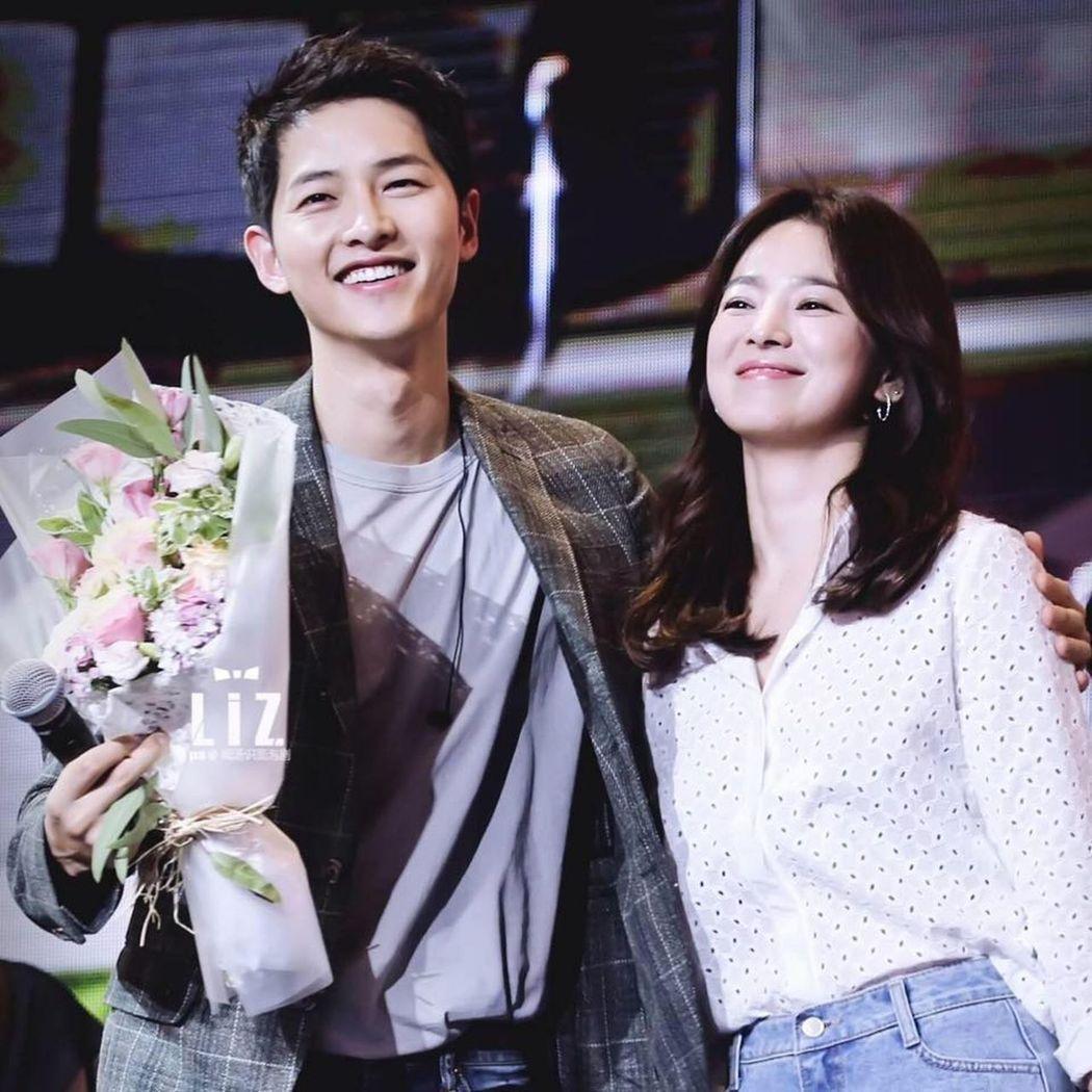 宋仲基和宋慧喬將於10月31日完婚。(取材自臉書)