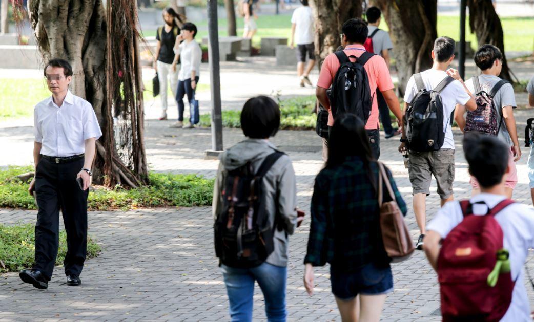 靜宜大學校長唐傳義表示,現在台灣和大陸學校交流,相對較緊縮,大陸卻更開放,現在更...
