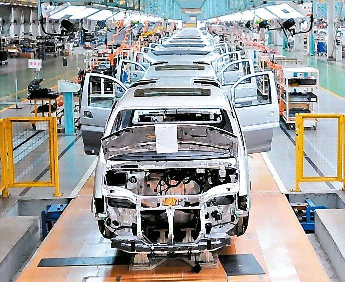 國際電動車大廠及大陸品牌車組裝零件需求上升,汽車零件業產值已超越整車產值。 本報...