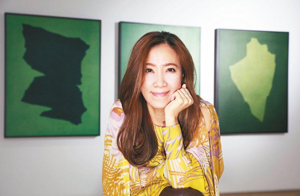 從事公關行銷的劉芳伶收藏藝術品有自己獨特的眼光。 圖/劉芳伶提供