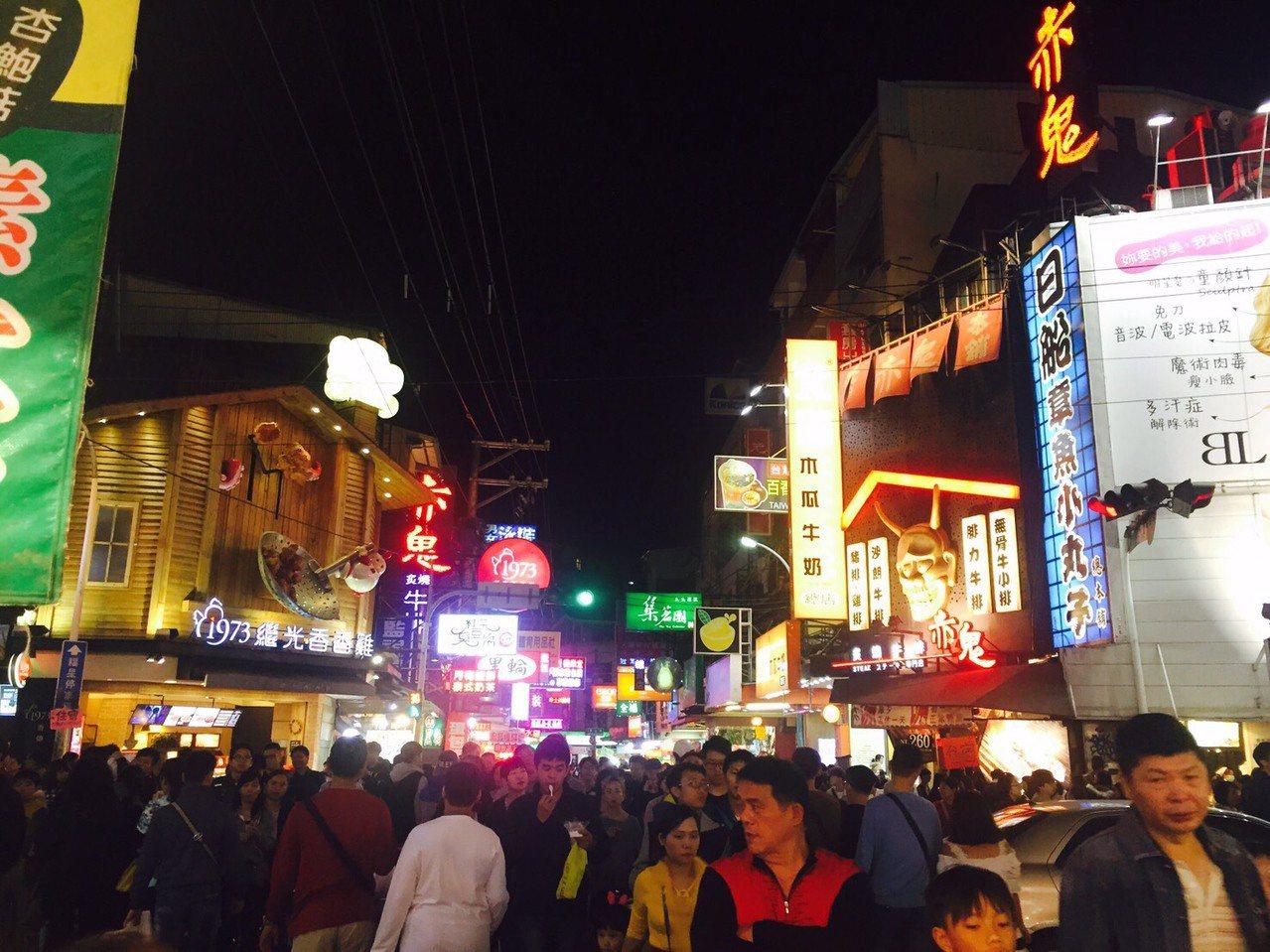 逢甲夜市名每年來客超過千萬人次。記者蘇木春/攝影