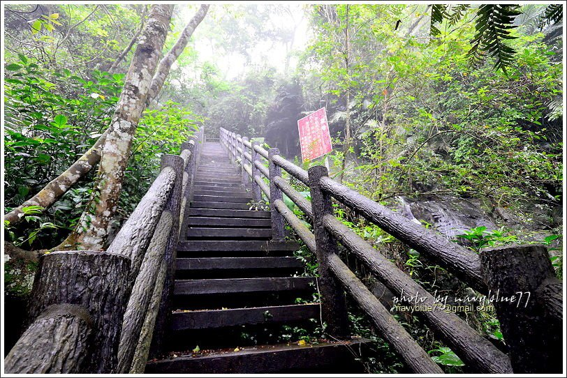 ↑再回到五叉路口往162甲出入口上行,會看到全程唯一的陡坡。