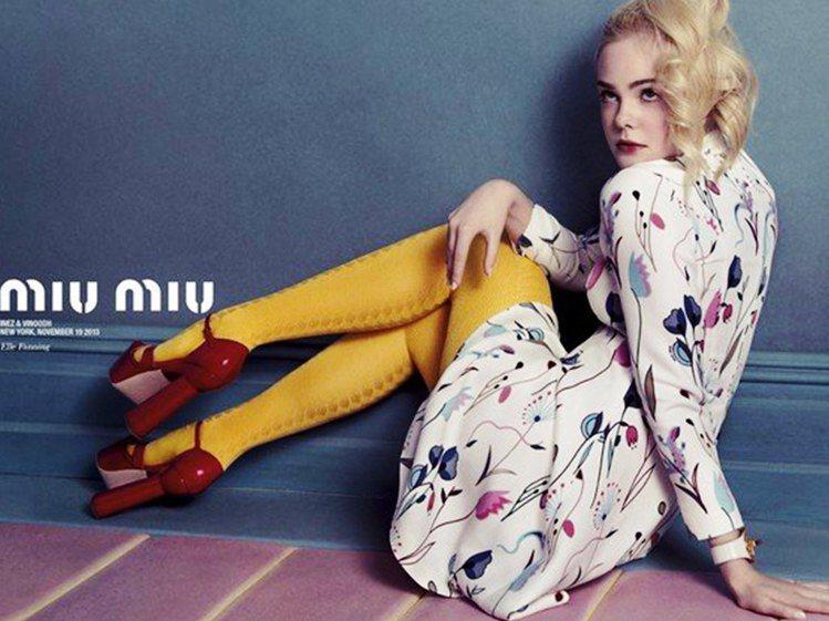艾兒芬妮入鏡Miu Miu 2014春夏形象廣告。圖/擷自ikifashion