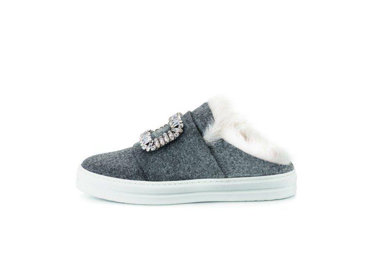 Sneaky Viv'羊毛休閒鞋64,200元。圖/Roger Vivier提供