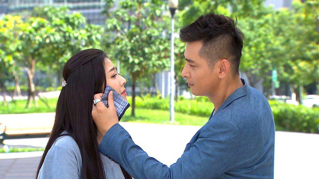 陳冠霖(右)和韓瑜的對手戲很受歡迎。圖/三立提供