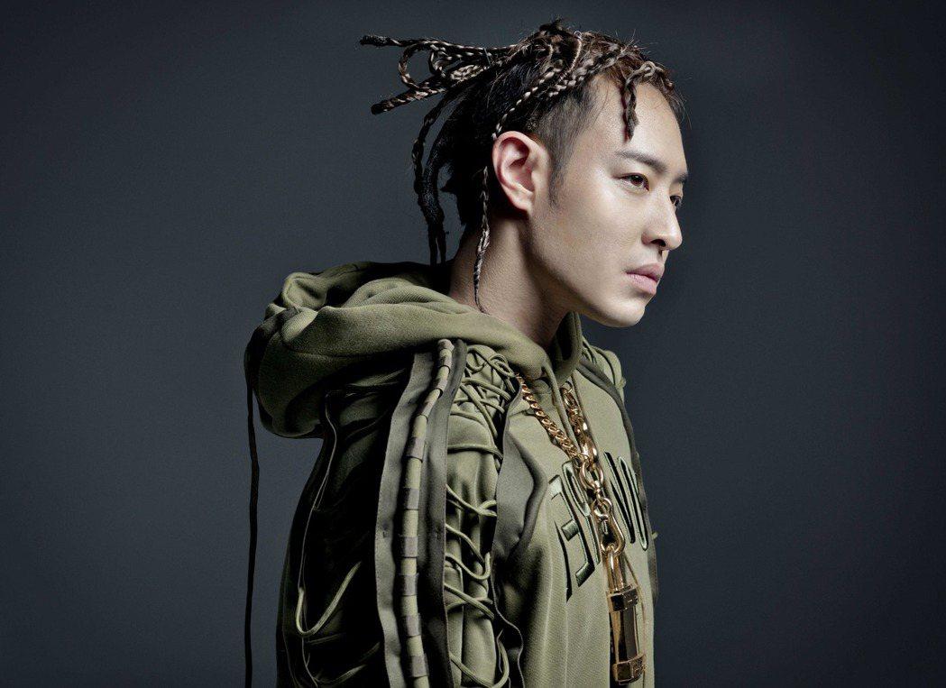 潘瑋柏8月11日將發行新專輯「illi-異類」。圖/華納音樂提供