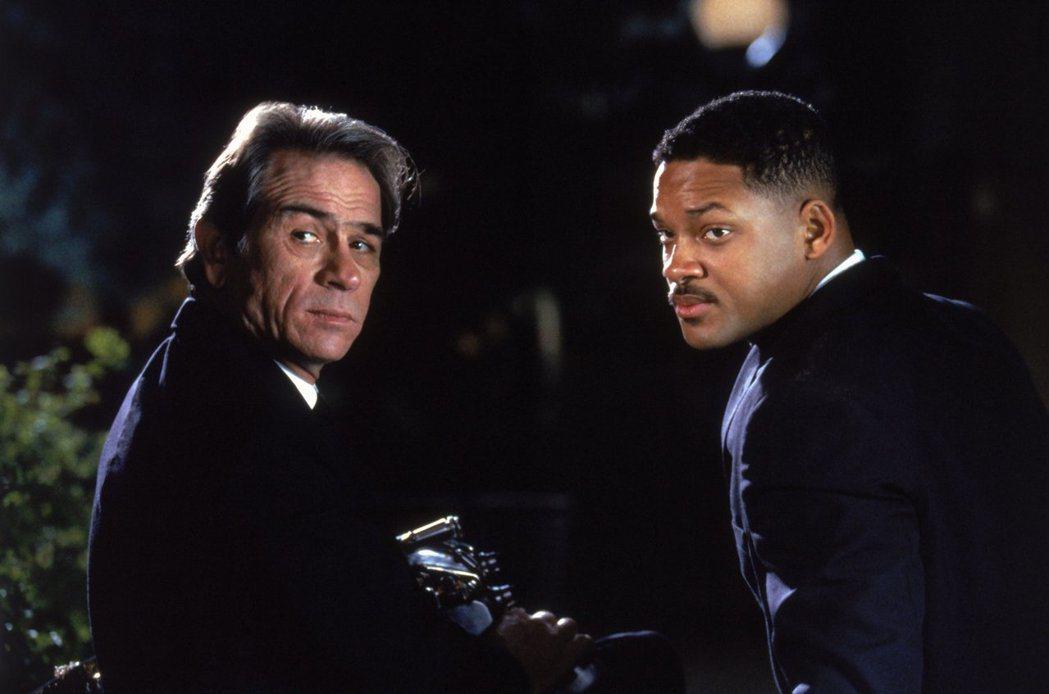 湯米李瓊斯與威爾史密斯都非「MIB星際戰警」主角第一人選。圖/摘自imdb
