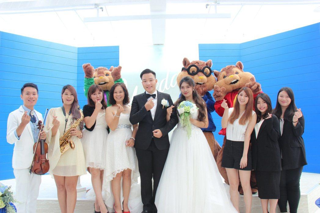 露天式的浪漫證婚廣場,在七月七日這天特别舉行了證婚體驗暨發表會活動,並與拾夢西式...