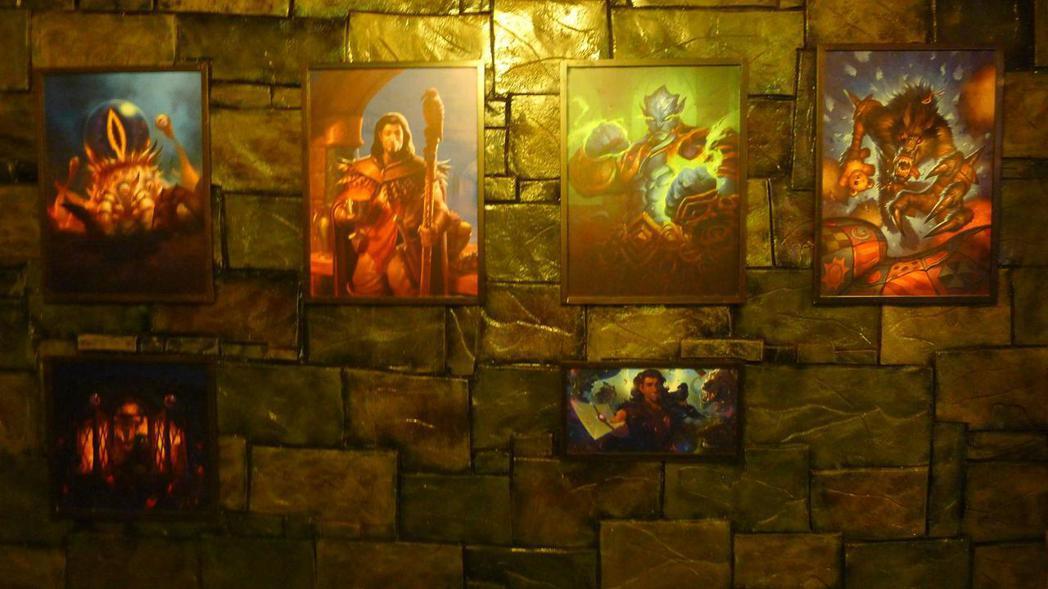 畫廊區:古神碎碎念、夜夜卡拉贊