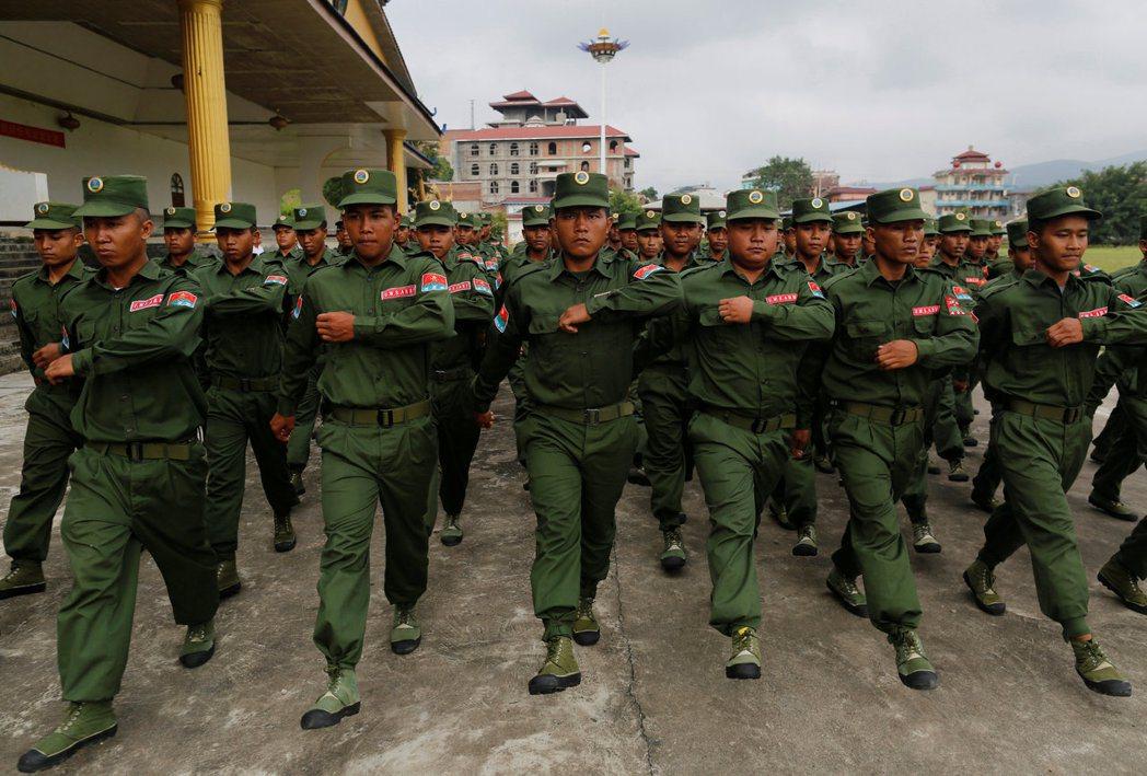 佤邦聯合軍憑藉與緬甸軍方的合作,以及來自中國的支持,成了緬甸民族衝突中最大的一支...