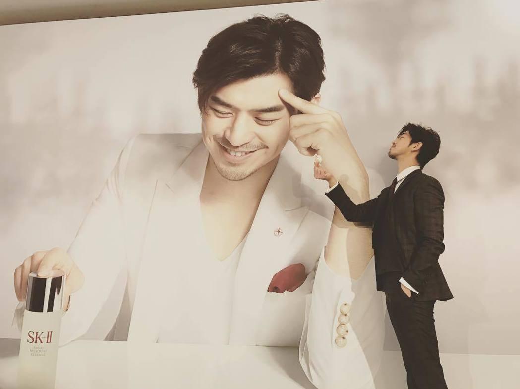 陳柏霖自從演出「我可能不會愛你」中的「李大仁」後,劇中暖男行為讓他在演藝圈爆紅。