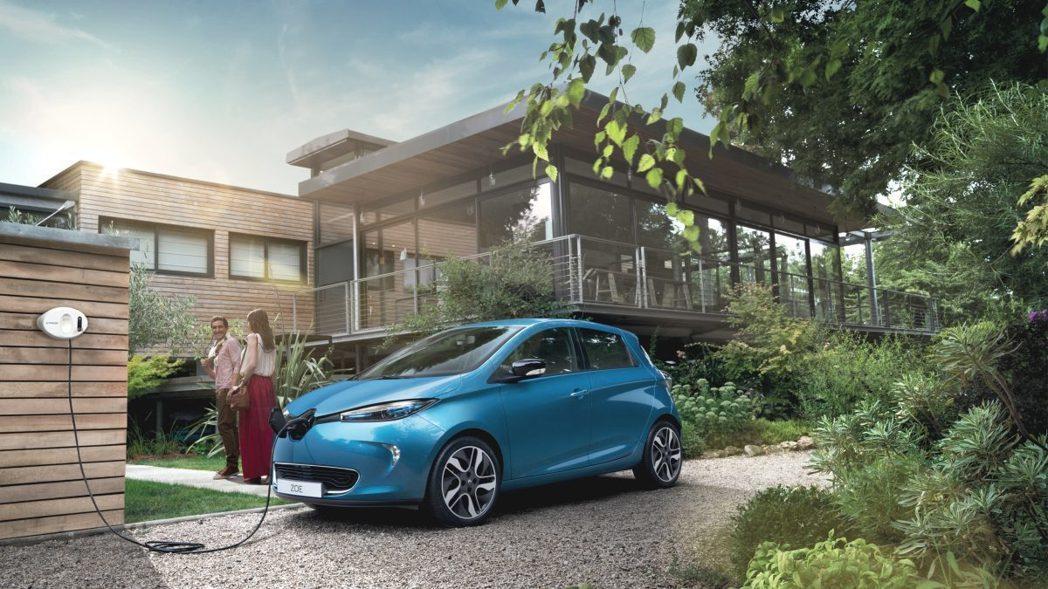 法國今年上半年的新車銷售,電動車僅佔了1.2%。圖為Renault ZOE。 摘自Renault