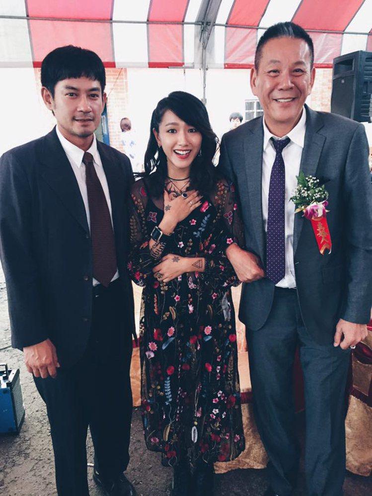 柯叔元(左)、龍劭華(右)與林意箴同為《花甲男孩轉大人》的演員。圖/擷自face...