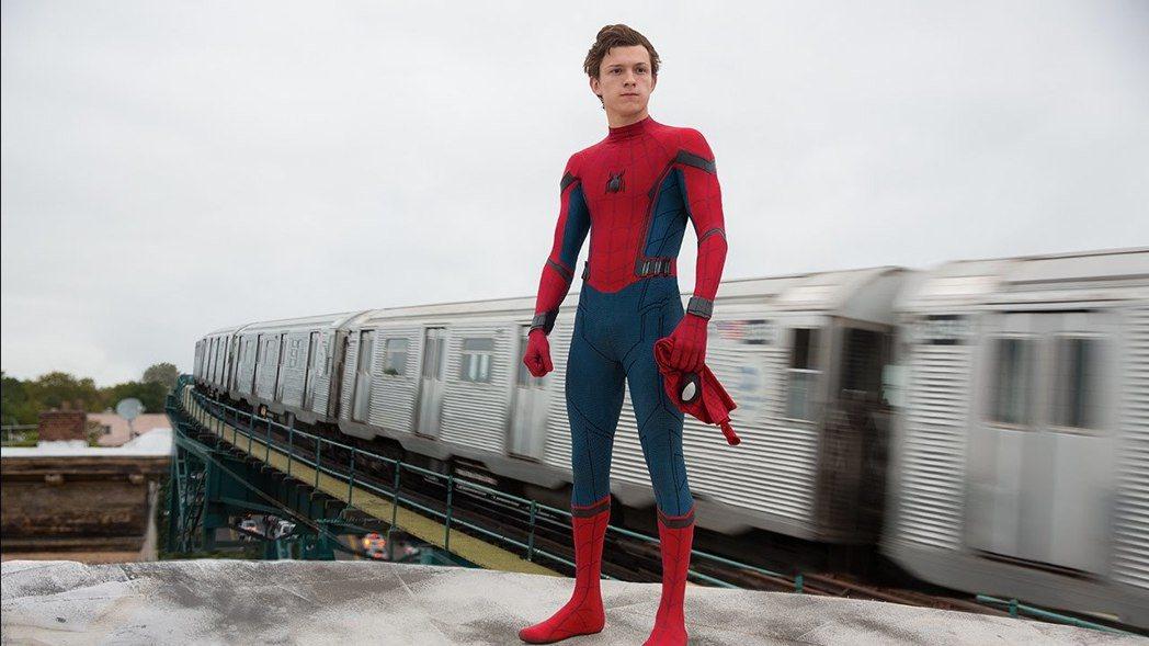 湯姆霍蘭德以優異的體操技能獲得飾演「蜘蛛人」的機會。圖/索尼提供
