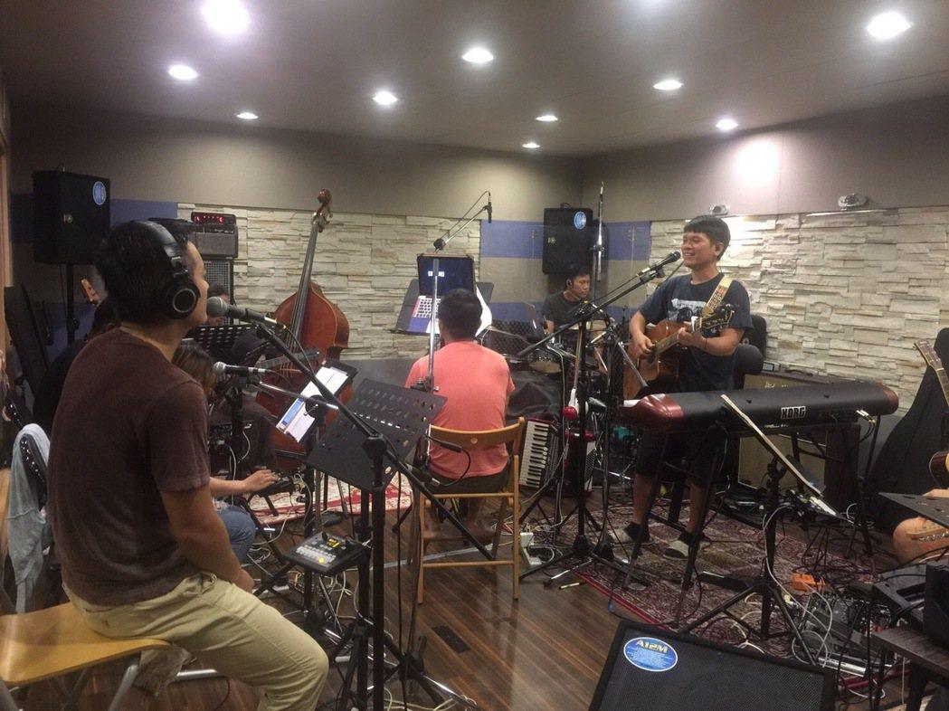 舒米恩7日起連唱3天,日前加緊排練。圖/舒米恩音樂工作室提供