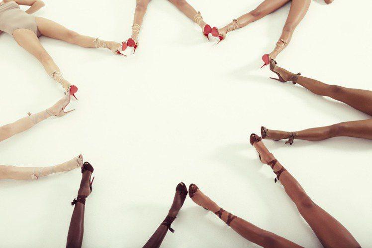 只露腿的Christian Louboutin Nudes系列有相當性感幽默的氛...