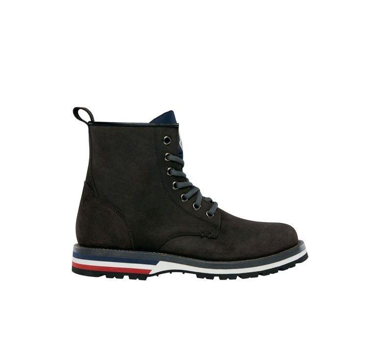 MONCLER秋冬男靴的紅白藍靴底相當精緻。圖/MONCLER提供