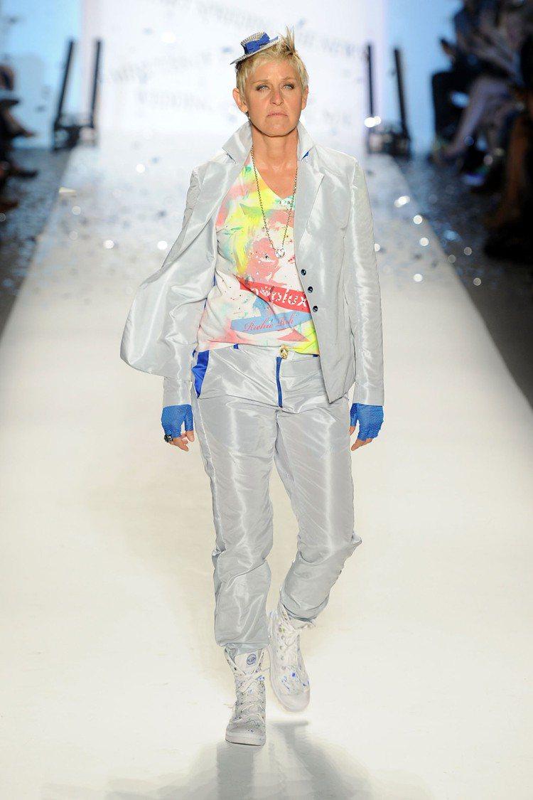 艾倫狄珍妮將PALLADIUM穿得前衛時髦。圖/PALLADIUM提供
