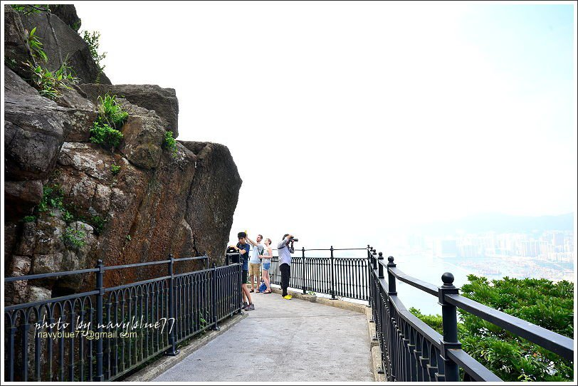 ↑盧吉道觀景台其實並非真的觀景台,只是步道在此段築成棧道,又沒有樹叢遮蔽視野,所...