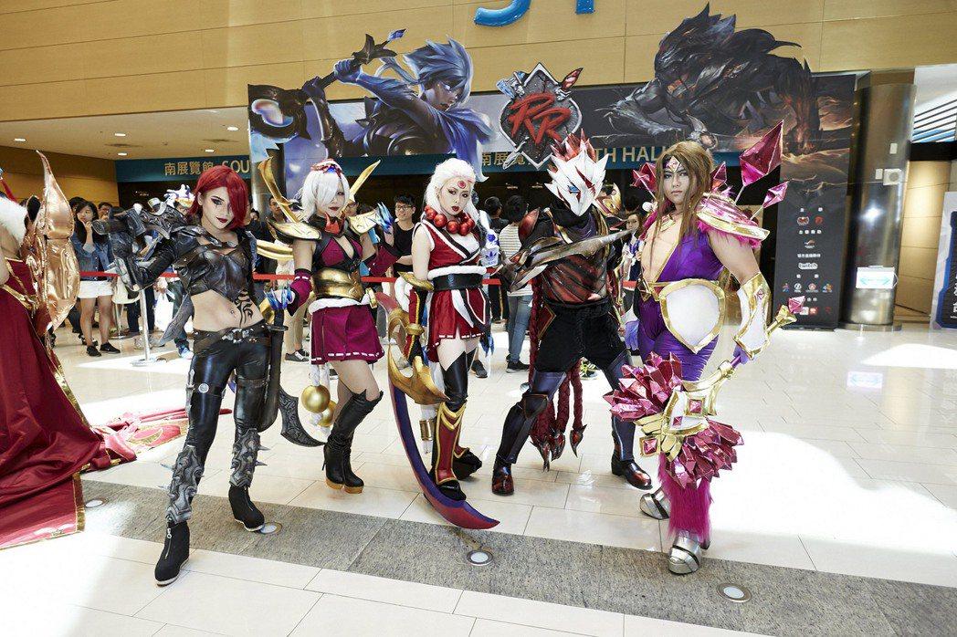 還原度超高的 cosplay 亦為現場增色不少。