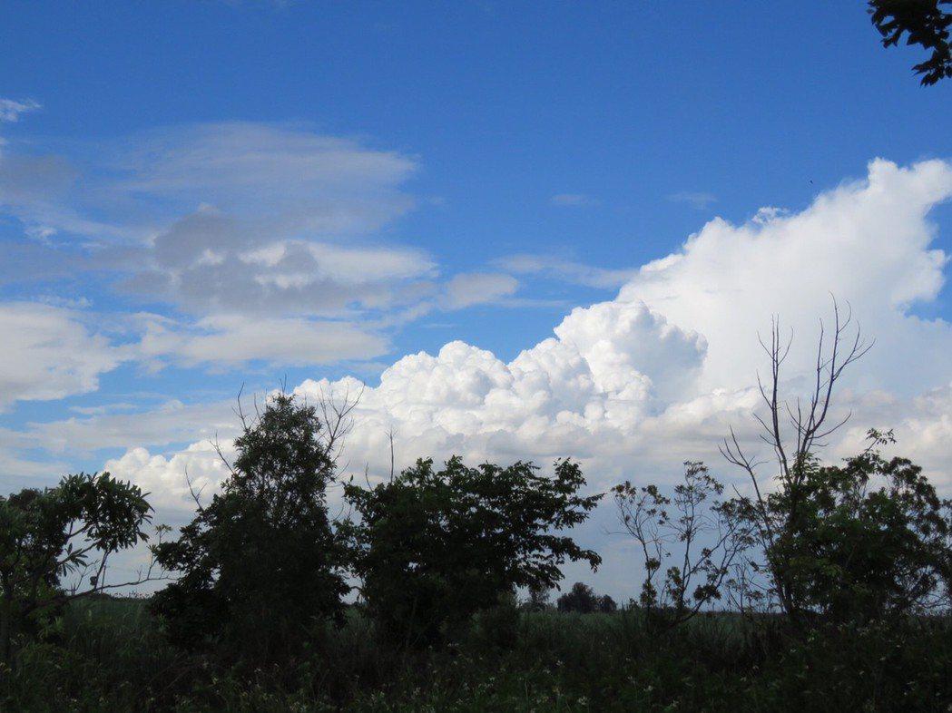 上午各地都是多雲到晴。聯合報系資料照/記者雷光涵攝影