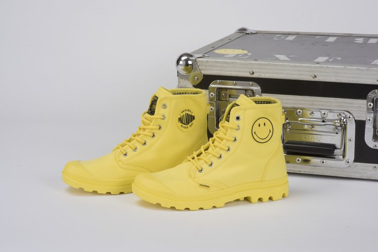 PALLADIUM X SMILEY聯名鞋款。圖/PALLADIUM提供