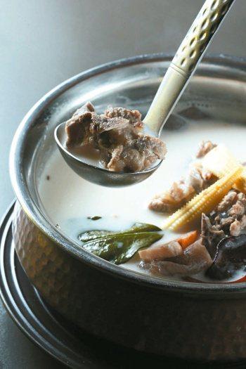 南薑椰汁排骨湯