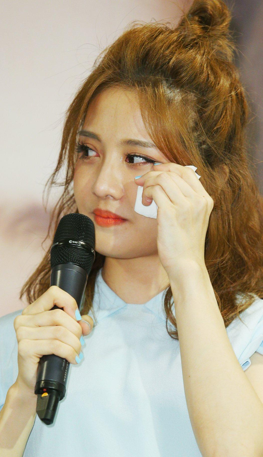 李宣榕EP簽唱會下午舉行,感性落淚。記者陳正興/攝影