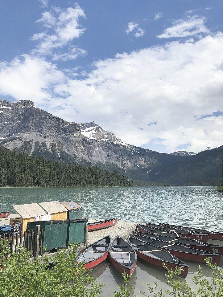 優鶴國家公園裡的翡翠湖湖畔租船處。 記者葉君遠/攝影