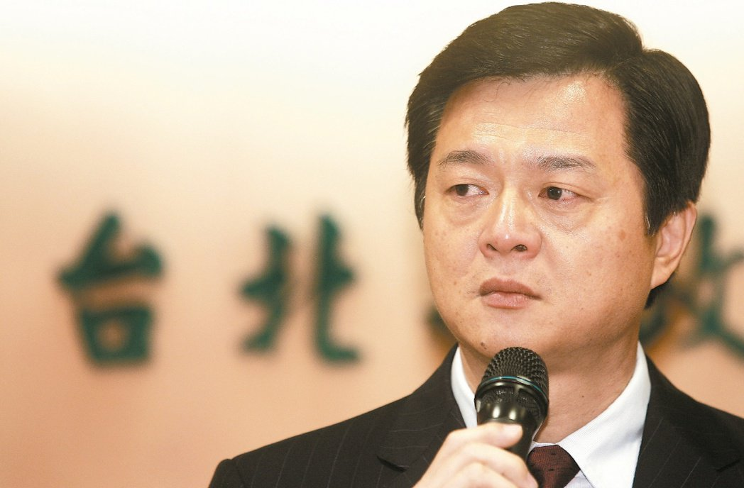 倒帶...周縣長的痛。圖為當時任台北縣長的周錫瑋宣布退出年底新北市長選舉,並支持...